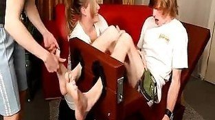 Two_Girls_Tickle_GROM FF/M