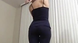 Fuck her on DOM-MATCH.COM - Are my tight spandex yoga pants making y