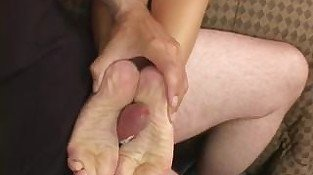 Sammie Rhodes Meets The Footjob Bandit